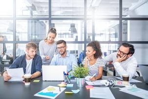 Zasady dbania o wzrok przy pracy biurowej - 4 wskazówki